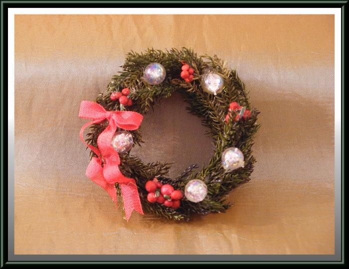 miniature dollhouse christmas wreath w red ribbon