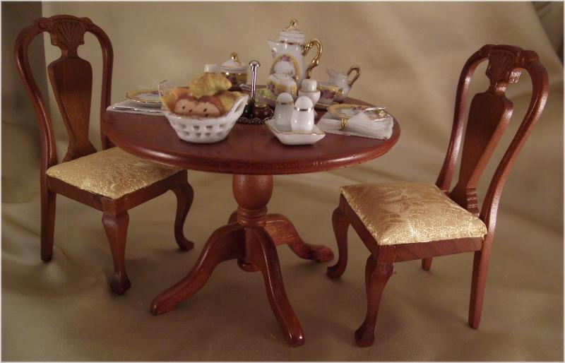 Dollhouse Dining Table And Chair Set Gold